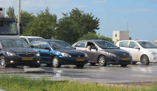 מכוניות ברמזור