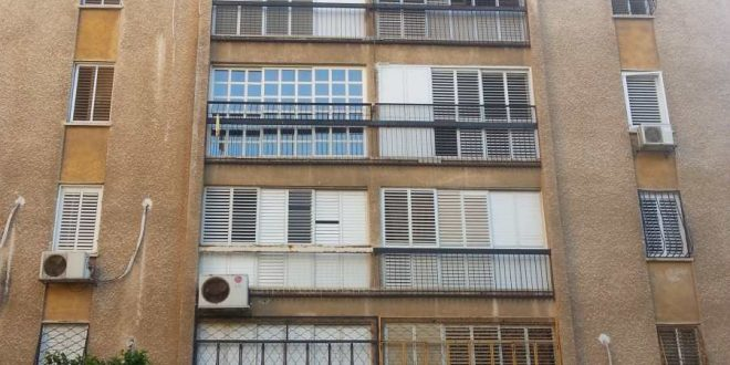 בניין 4 קומות
