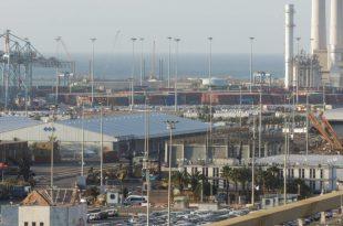 מבט על הנמל של אשדוד