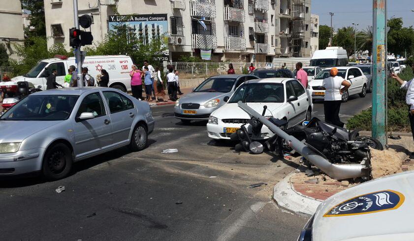 שד' בני ברית: רוכב אופנוע נפצע קשה בתאונת דרכים