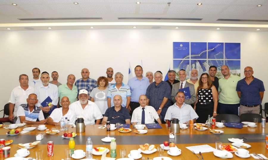 נמל אשדוד נפרדים מעובדים שפורשים לגמלאות