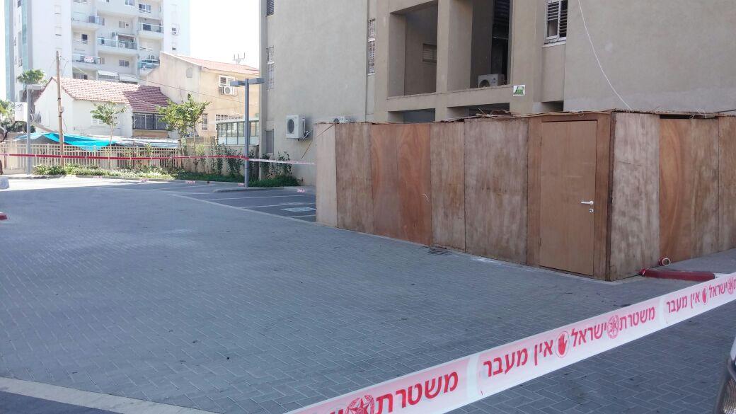 רחוב האצל: גבר נהרג לאחר שנפל מקומה גבוהה