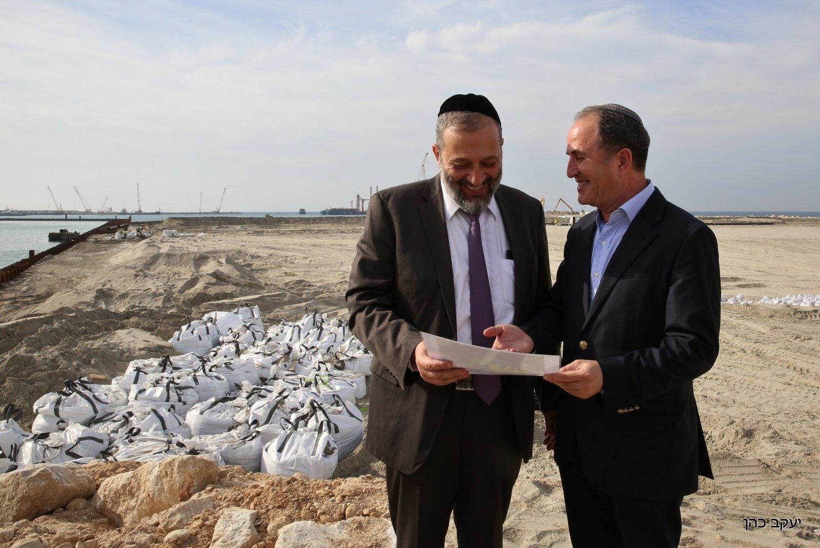 שר הפנים הודיע היום שיתמוך בהפיכת אשדוד לעיר מחוז