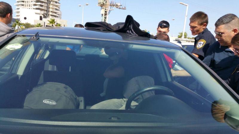 """תינוק ננעל ברכב וחולץ ע""""י עובדי הביטחון העירוני"""
