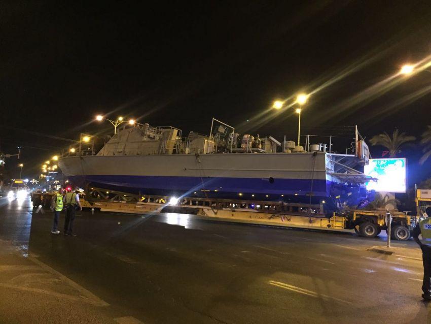 """ספינה חדשה של צה""""ל עוברת ברחובות אשדוד"""
