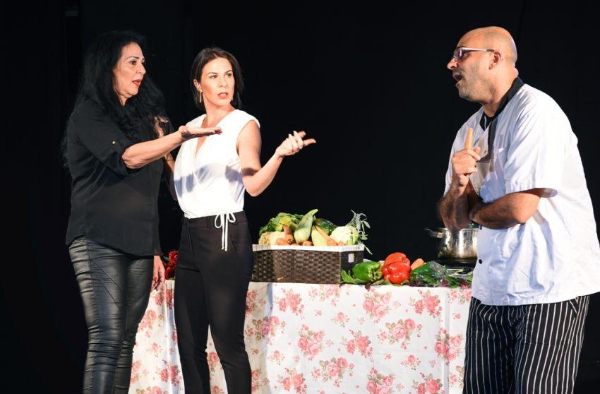 מופע 'מבשלים זוגיות' מגיע לבית יד לבנים