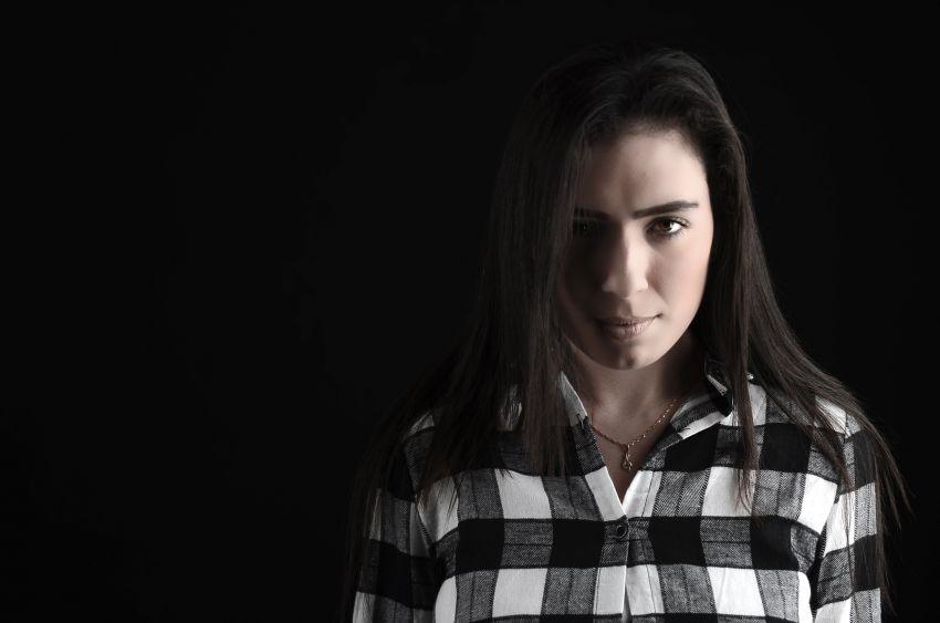 הזמרת האשדודית ענבל קידר בסינגל ביכורים