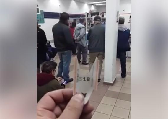 צפו: סיוט בדואר ישראל, שעות בכדי לקבל חבילה