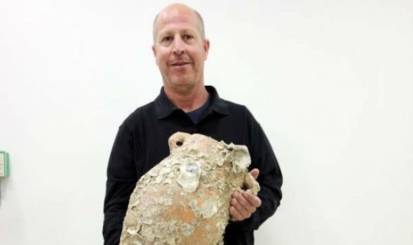האוצר: נמצא קנקן בן 2700 שנים בחופי הים של אשדוד
