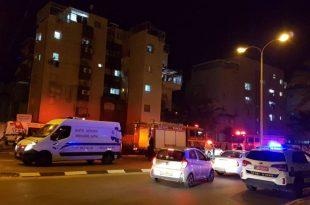 שריפה פרצה בבניין מגורים בעקבות פיצוץ בארון חשמל - לוחמי האש פועלים במקום