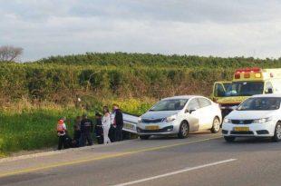 רכב התהפך בכביש 4 סמוך לאשדוד - פצועה קשה ועומסי תנועה כבדים במקום