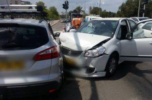 """4 פצועים בתאונת דרכים בצומת בני ברית/הפלמ""""ח"""
