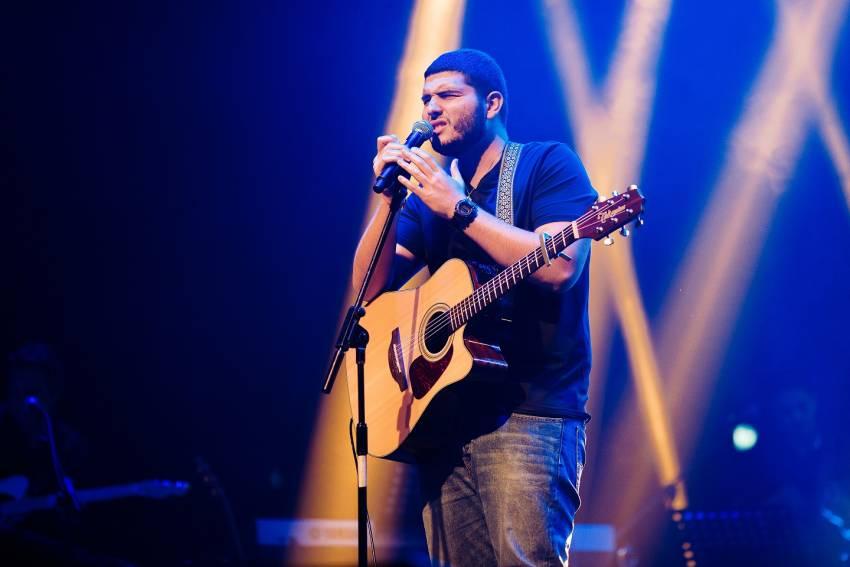יובל לחמיש הוא הזוכה בתחרות 'שיר השישים' של אשדוד