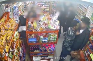 צפו בוידאו: אדם תועד כשהוא מצמיד סכין לגרונו של תושב חרדי מאשדוד