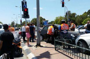 תאונת דרכים בין ארבעה כלי רכב - שלושה פצועים במקום
