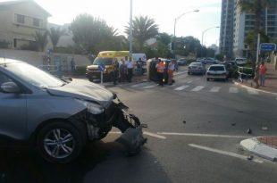 רכב התהפך בתאונת דרכים באשדוד - פצועים במקום