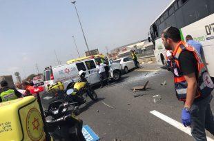 עשרות פצועים בתאונת דרכים בסמוך למחלף אשדוד