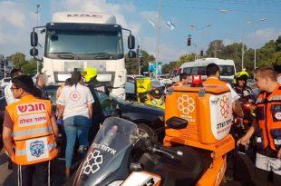תאונה קשה בכניסה לאשדוד במעורבות משאית