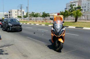 תאונת דרכים בשדרות ירושלים - פצועה במקום