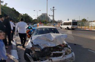פצוע בתאונת דרכים באשדוד - כוחות ההצלה במקום