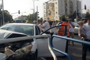 נהג רכב איבד שליטה ונפצע בתאונת דרכים