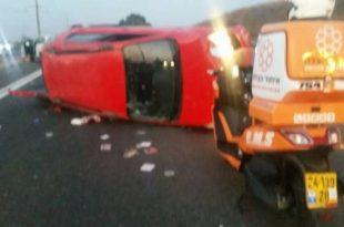 3 פצועים קשה בהתהפכות רכב בכניסה לאשדוד