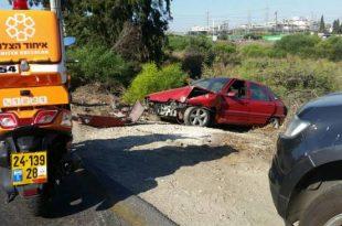רכב התהפך לאחר תאונה בשד' בני ברית - פצוע במקום