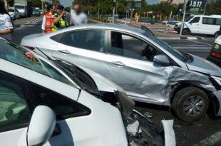 שלושה פצועים בתאונת דרכים בין שני רכבים באשדוד