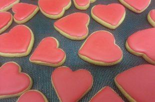 מתכון עוגיות לבבות בציפוי אדום אוהב
