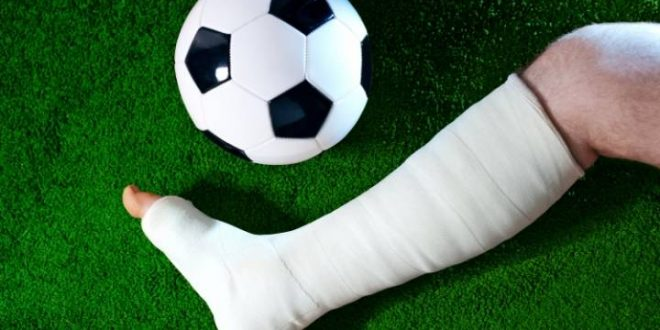 שבר את הרגל במשחק כדורגל באשדוד