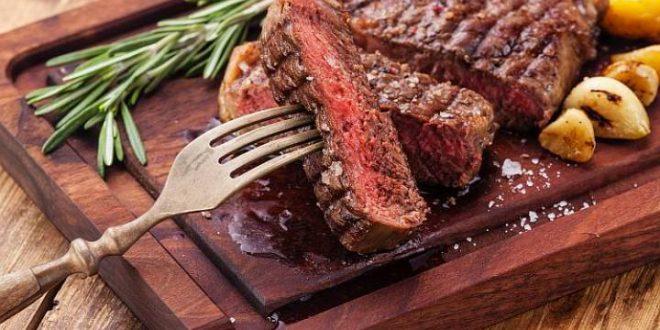 נתח עסיסי של בשר טעים