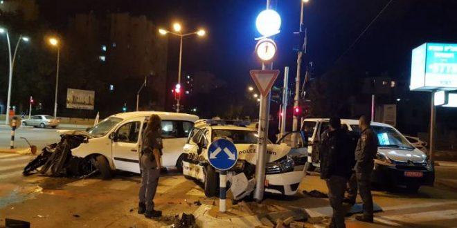 תאונה בין ניידת משטרה לרכב פרטי בשדרות הרצל