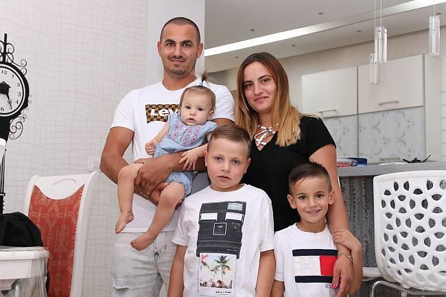 """הוריו של מאיר חי אשתר : """"אנחנו בקריסה כלכלית"""""""