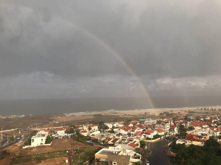 צפו בתמונות: הגשם הראשון הגיע לאשדוד