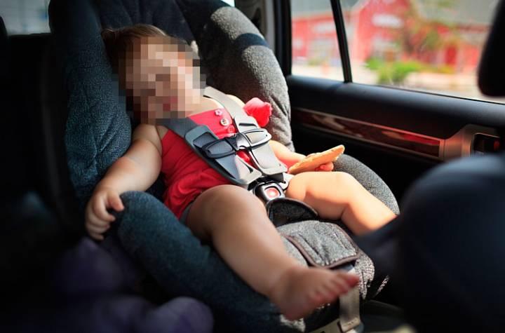 תינוק בן 4 חודשים ננעל ברכב