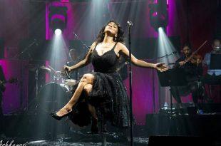 ענבל דרור נבחרה לעצב לריטה שמלה למופע החדש