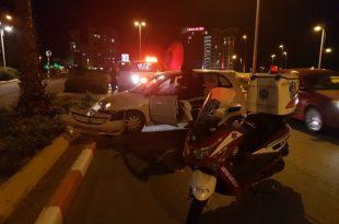 נהג רכב פגע בקיר הפרדה ונפצע בתאונה באשדוד