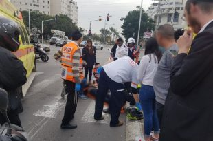 תאונה קשה: רוכב קטנוע נפצע לאחר שרכב פגע בו בעוצמה
