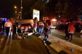 רכב התהפך ושלושה נפצעו בתאונה קשה באשדוד