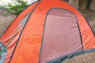 סיפורה העצוב של המורה לצרפתית שגרה באוהל באזור התעשייה
