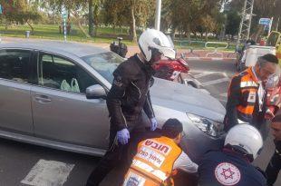 רכב פגע בעוצמה ברוכב אופניים חשמליים שנפצע