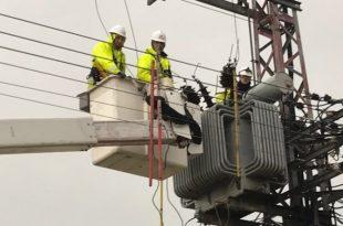 עובדי חברת החשמל במהלך הסערה