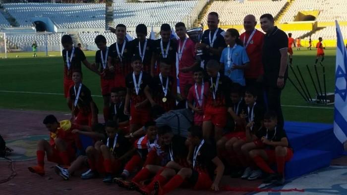ילדים ב' של מ.ס אשדוד מחזיקת גביע המדינה