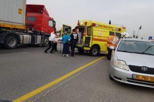 משאית של חתן וכלה מאשדוד הייתה מעורבת בתאונה עם פצועים