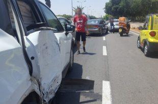 ילד נפצע בתאונת שרשרת בין אוטובוס לשלושה רכבים באשדוד