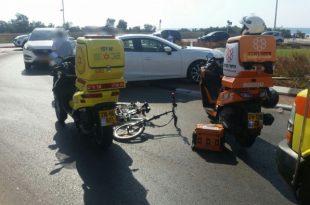 בת 17 שרכבה על אופניים חשמליים נפצעה מפגיעת רכב