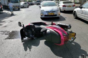 תאונה קשה: הולך רגל ושניים נוספים נפצעו מפגיעת אופנוע