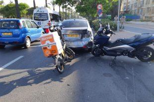 שני נפגעים בתאונה בין רכב פרטי לאופנוע
