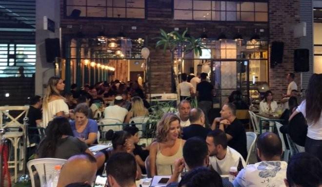 """סופ""""ש מטורף במסעדת """"ניקוס"""": מאור אשואל בחמישי, בועז טביב בשישי"""