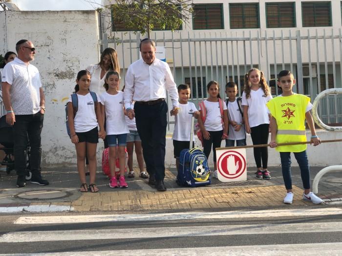 צפו בגלרייה: עשרות אלפי תלמידי העיר אשדוד פותחים את שנת הלימודים